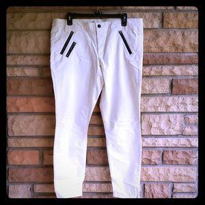 Gap Khakis stretch skinny in Snow sz 14